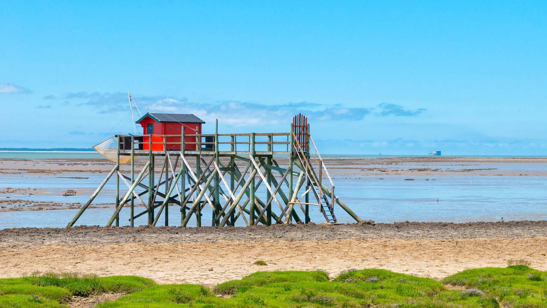 Le carrelet rouge de l'île Madame - Rochefort Océan