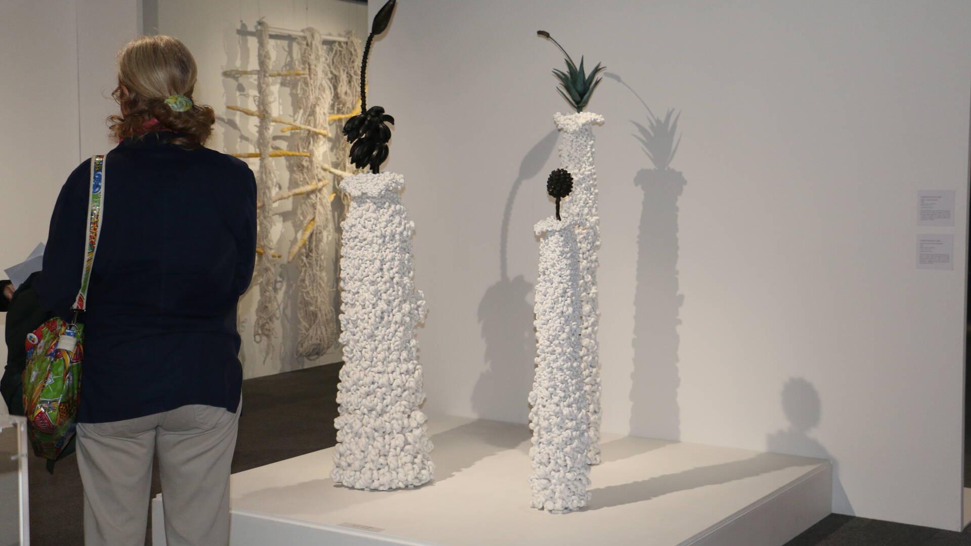Corps de corde : exposition d'art contemporain à la Corderie Royale, Rochefort Océan