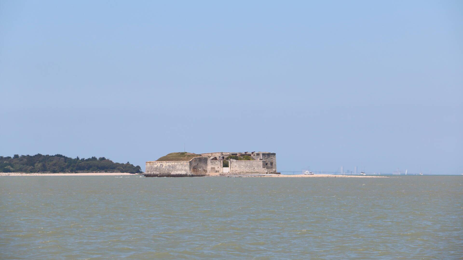 Approche du fort Enet au large de Fouras