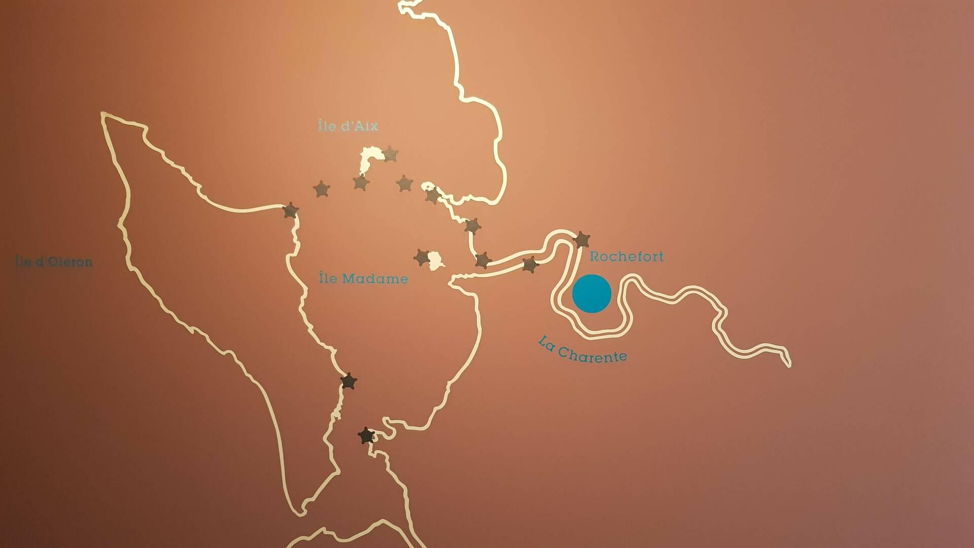 Située aucœur d'un marais dans une boucle de la Charente, Rochefort a été créée au XVIIe siècle - © OT ROchefort Océan