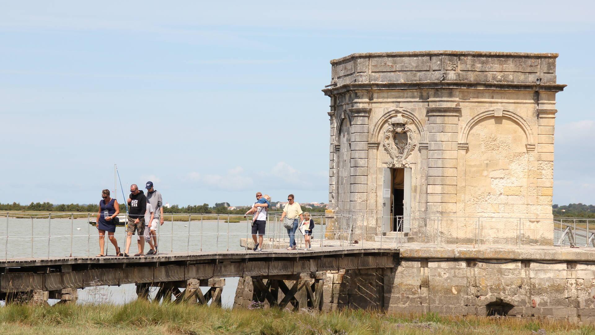 Fontaine Lupin en bord de Charente, Saint-Nazaire sur Charente, Rochefort Océan