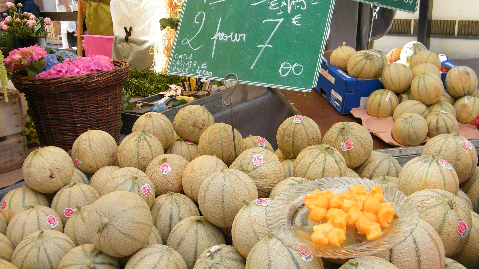 Melons in the market of Rochefort©M.Cohen