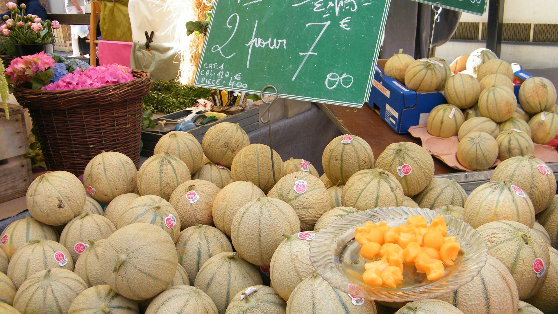 Melons sur étalage du marché de Rochefort©M.Cohen