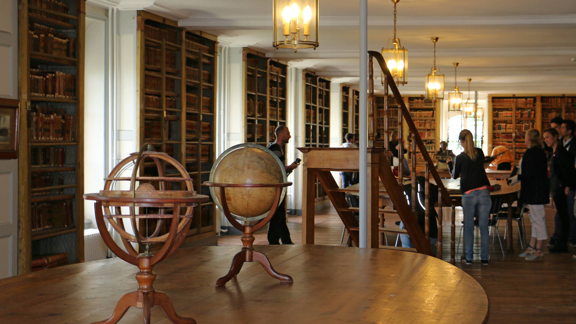La bibliothèque de l'École et ses 25 000 ouvrages