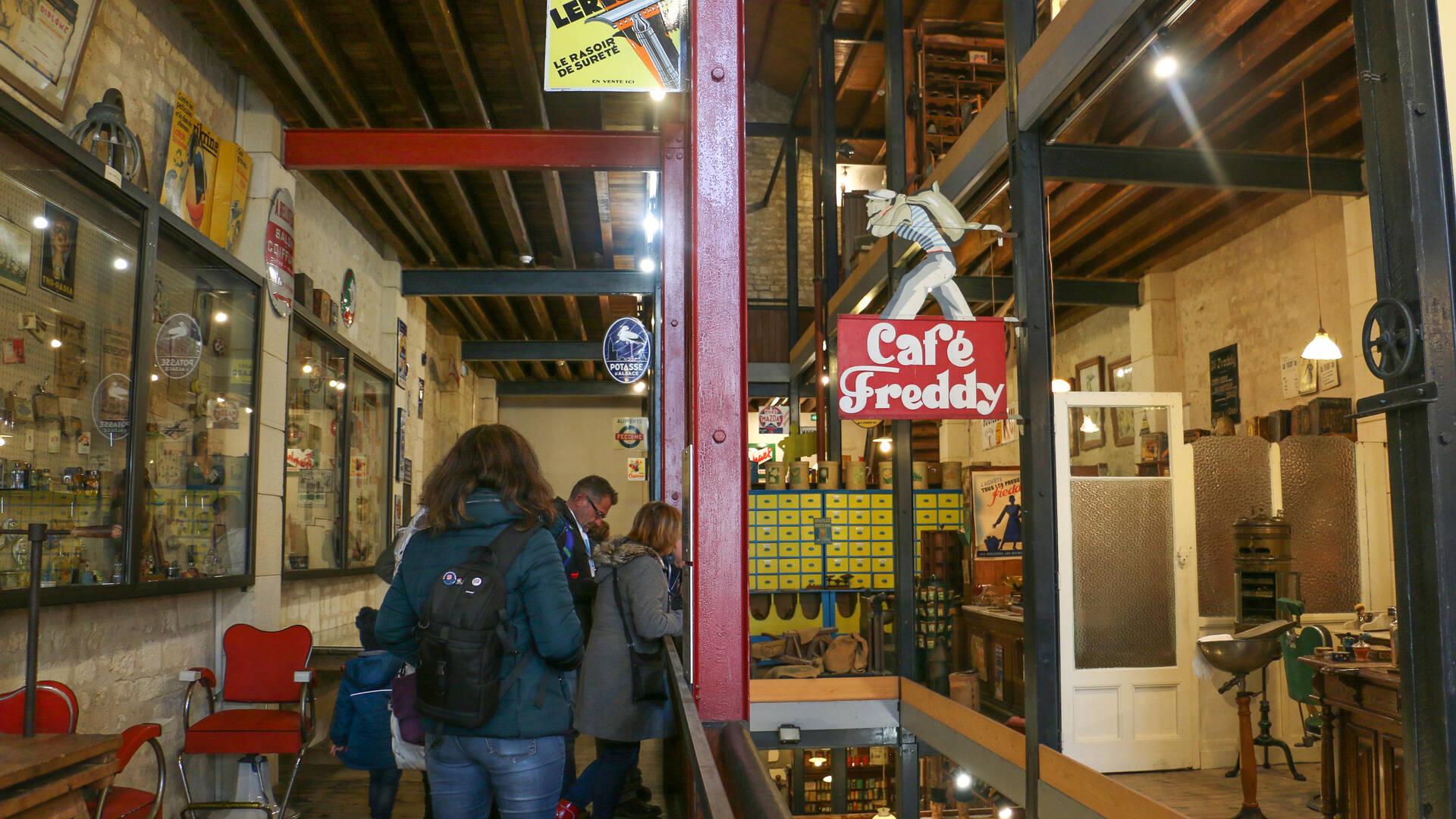 Voyage pour petits et grands dans le monde des commerces et métiers d'antan au Musée des Commerces d'Autrefois à Rochefort - © Office de Tourisme Rochefort Océan