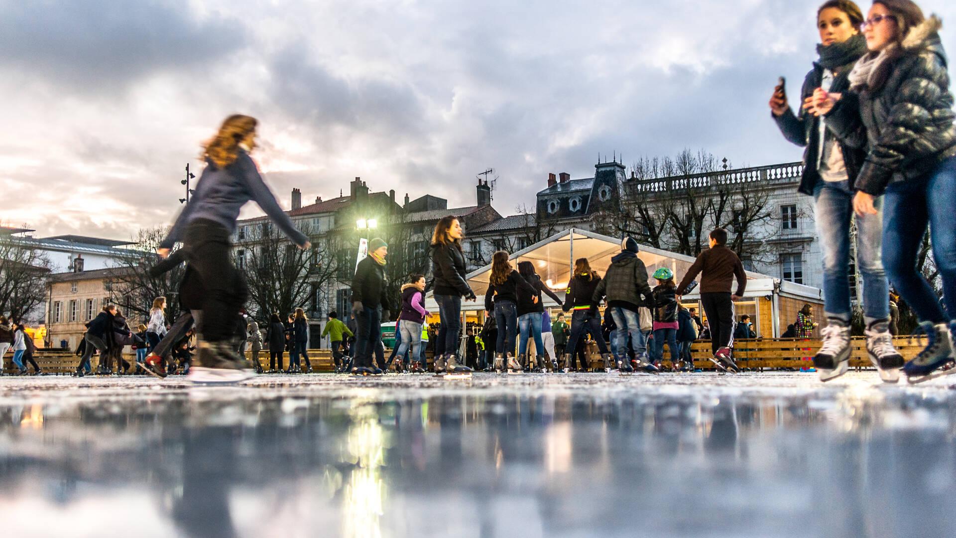 Grande patinoire extérieure, Place Colbert à Rochefort ©P.Robin