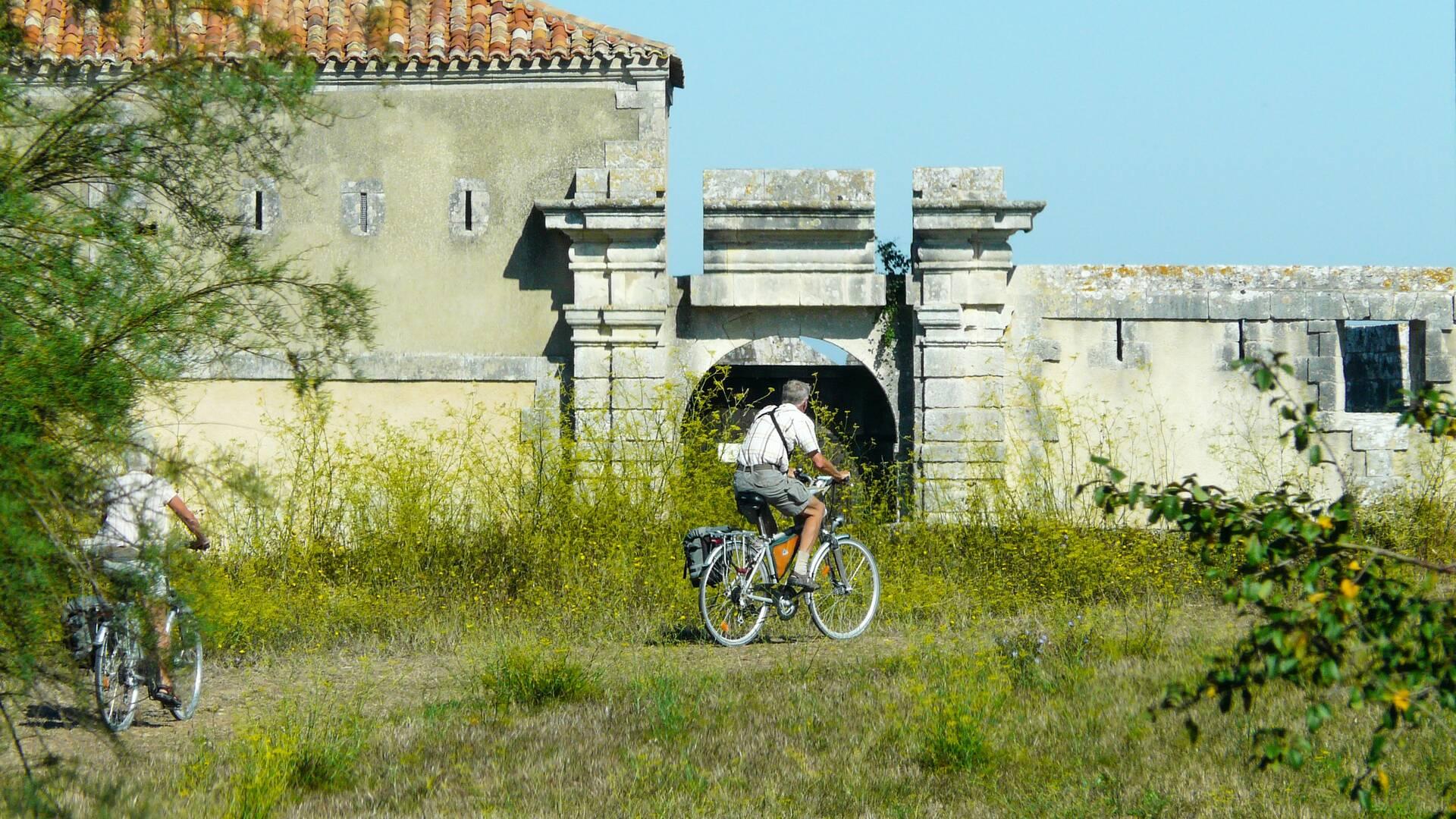 La Route des Forts à vélo © MTsudCharente
