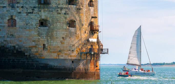 Balade en catamaran au plus près de Fort Boyard !