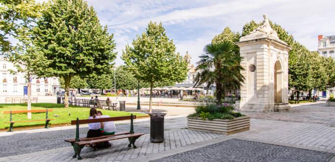 Rochefort, ville arsenal se visite à pied, en calèche, en petit train ©L.Pétillon