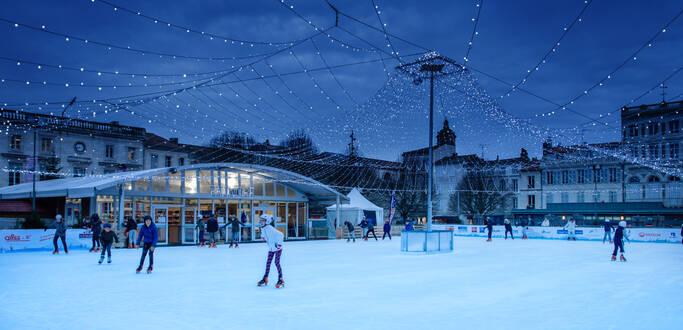 La patinoire de Rochefort -Place en Colbert en décembre ©L.Pétillon