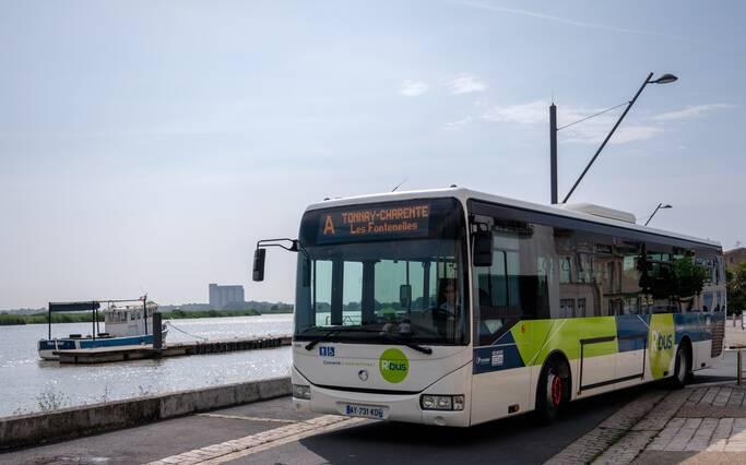 Bus- und Zugfahrpläne