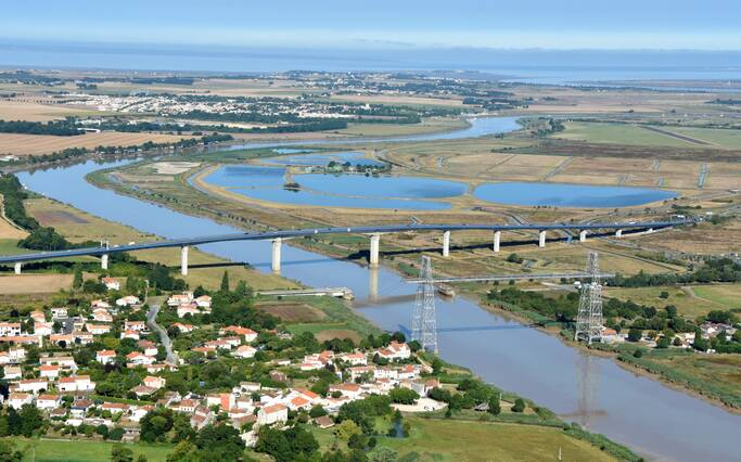 Le fleuve Charente à travers Rochefort Océan