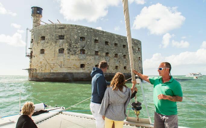 Fort Boyard mit dem Boot