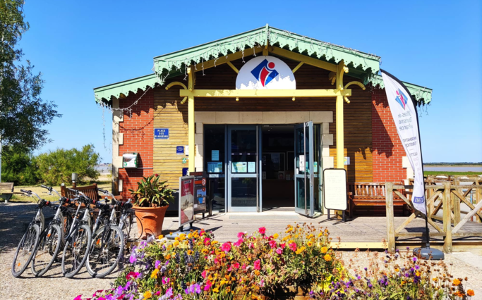 4 Tourist information offices