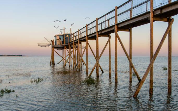 https://www.rochefort-ocean.com/sites/rochefort-ocean-tourisme/files/styles/laptop_rectangle/public/visuelpage/rochefort-ocean-officedetourisme-fort-boyardcl103.jpg?itok=xNHjGsiy