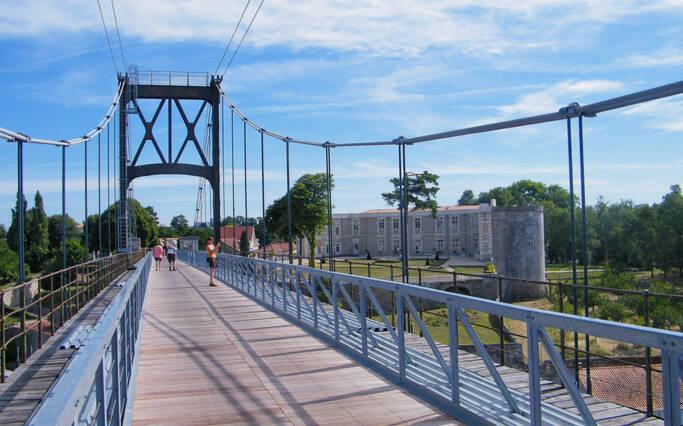 Pont Suspendu de Tonnay-Charente