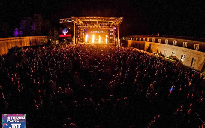 La foule face à la scène de Stéréoparc ©Stéréoparc
