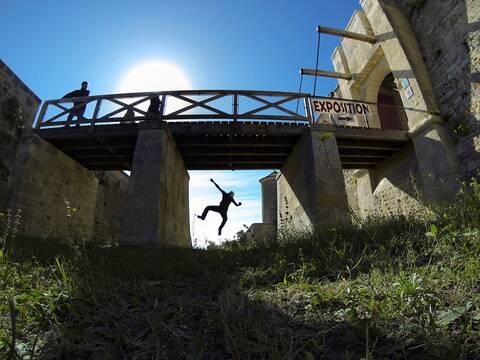 Sous le pont-levis du fort Vauban à Fouras ! - © Petibowom