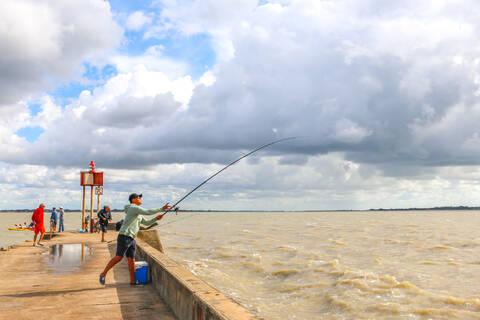 Pêche à la ligne, Port Sud de Fouras - © OT Rochefort Océan