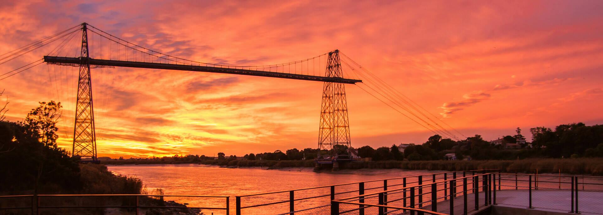Coucher de soleil sur le Pont Transbordeur d'Echillais - © Laurent Pétillon