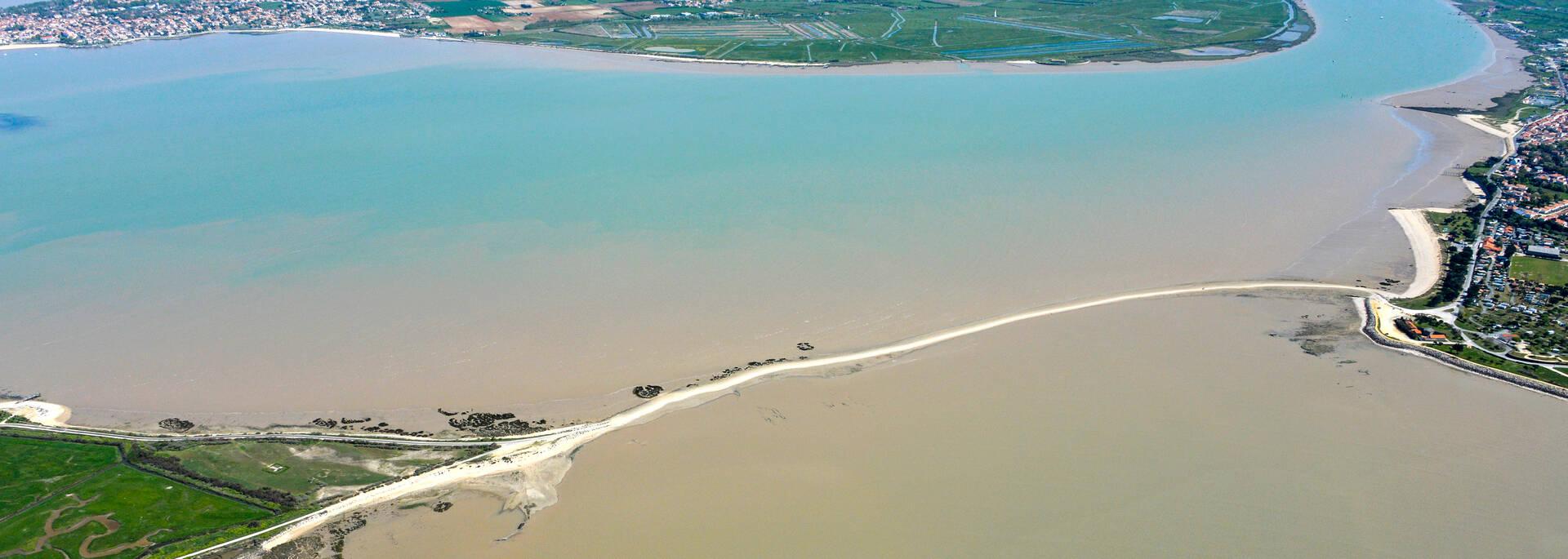 La passe aux boeufs qui relie Port-des-Barques à l'île Madame, à l'estuaire de la Charente - ©  Patrice Blot - DREAL