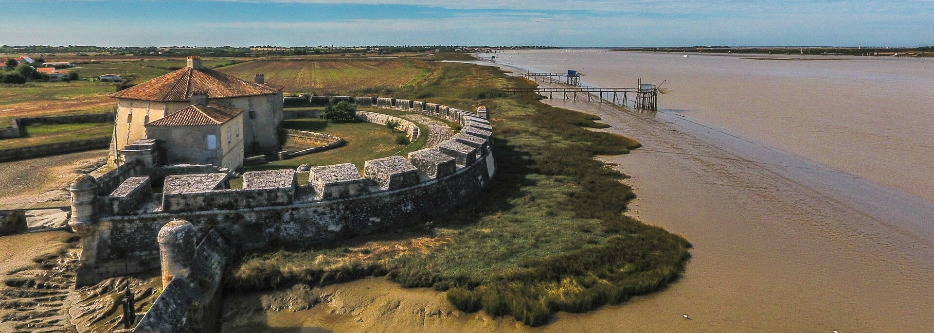 Le fort Lupin protège l'estuaire de la Charente - © Images & Émotion