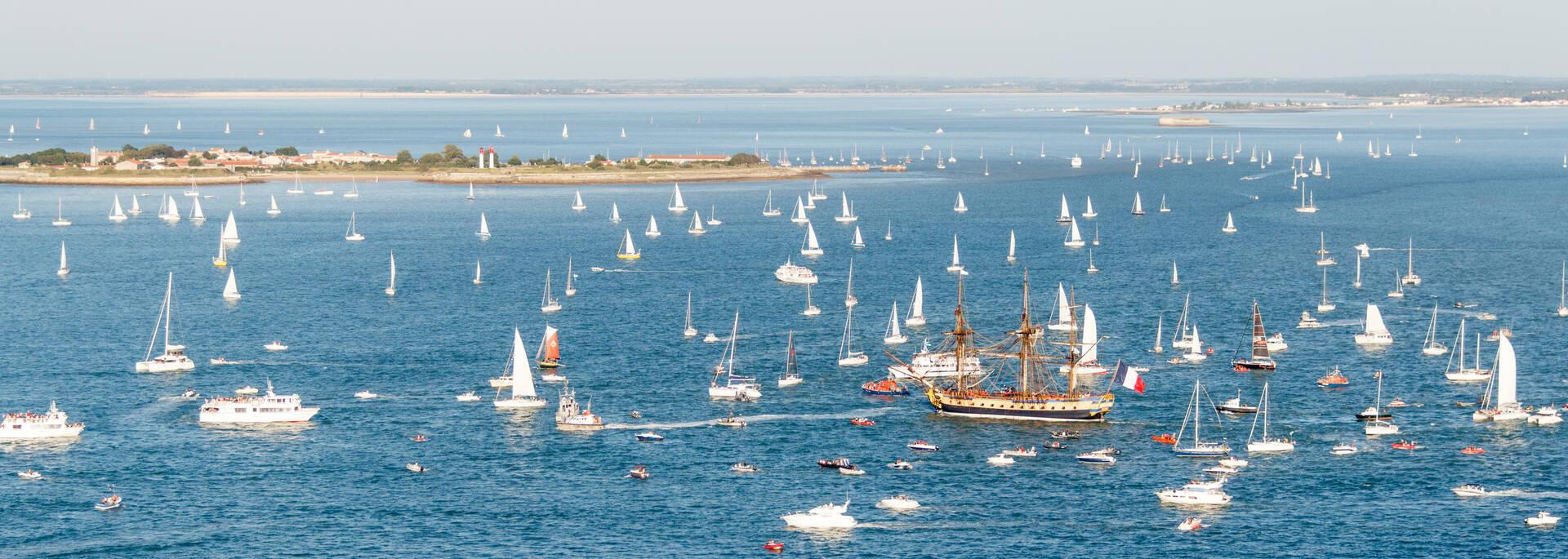 The frigate Hermione offshore Aix Island - © David Compain - Ville de Rochefort
