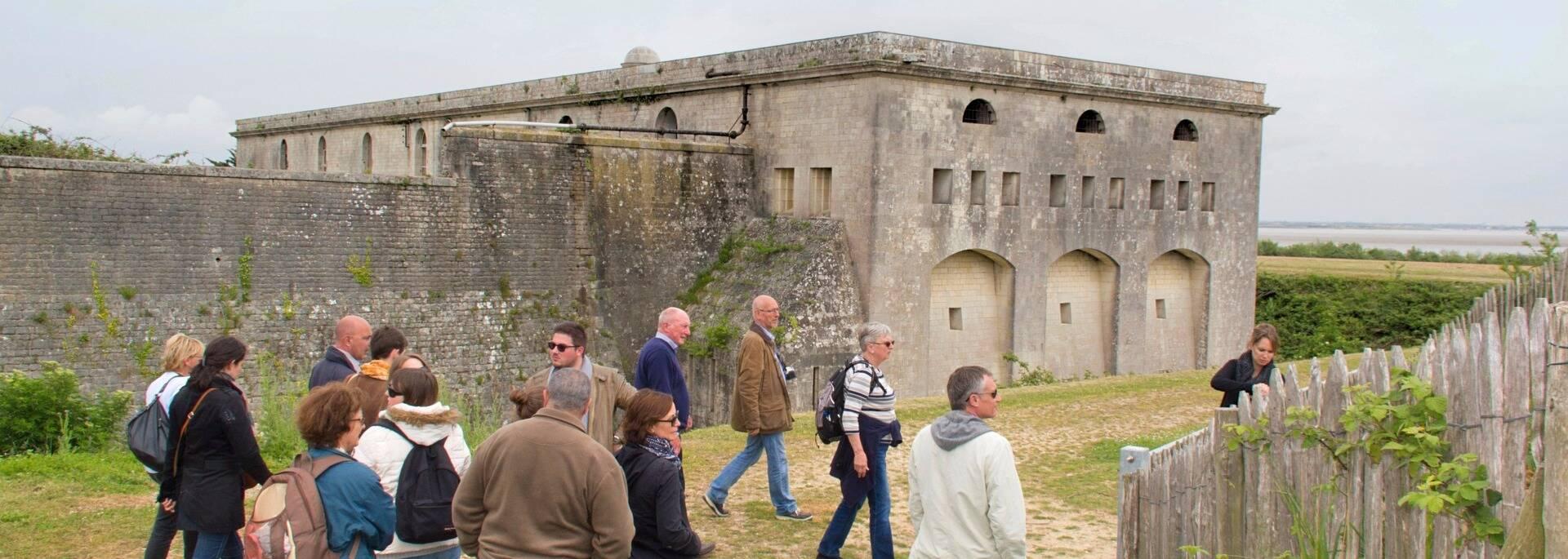 En visite guidée au fort de l'île Madame - © Office de tourisme Rochefort Océan
