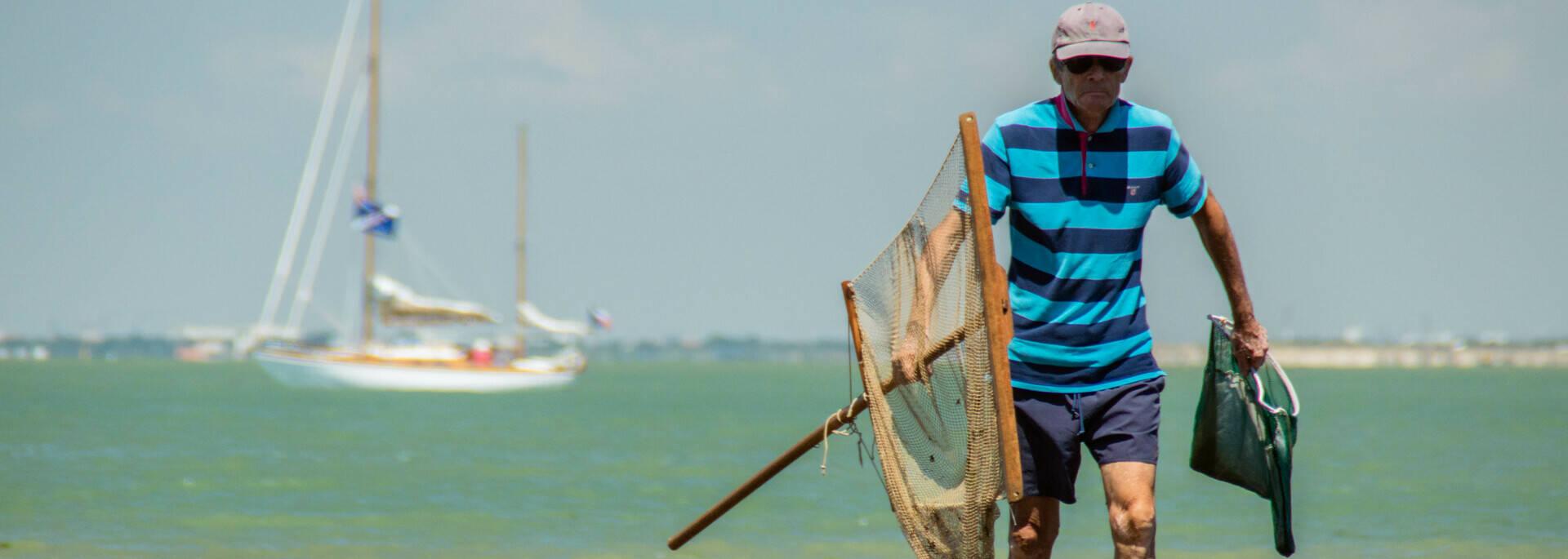 Pêcheur sur l'île Madame - © Laurent Pétillon
