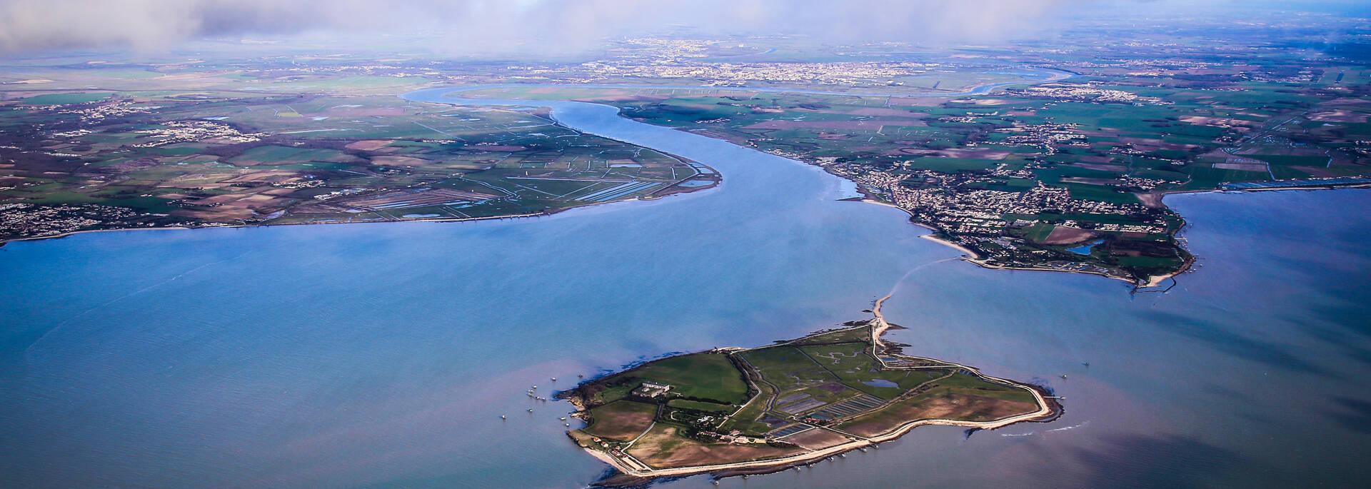 Vue aérienne de l'île Madame - © Vols de Max