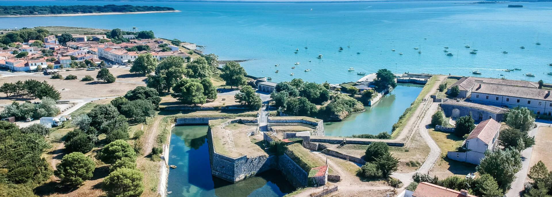 Vue aérienne des remparts de l'Ile d'Aix ©L.Pétillon