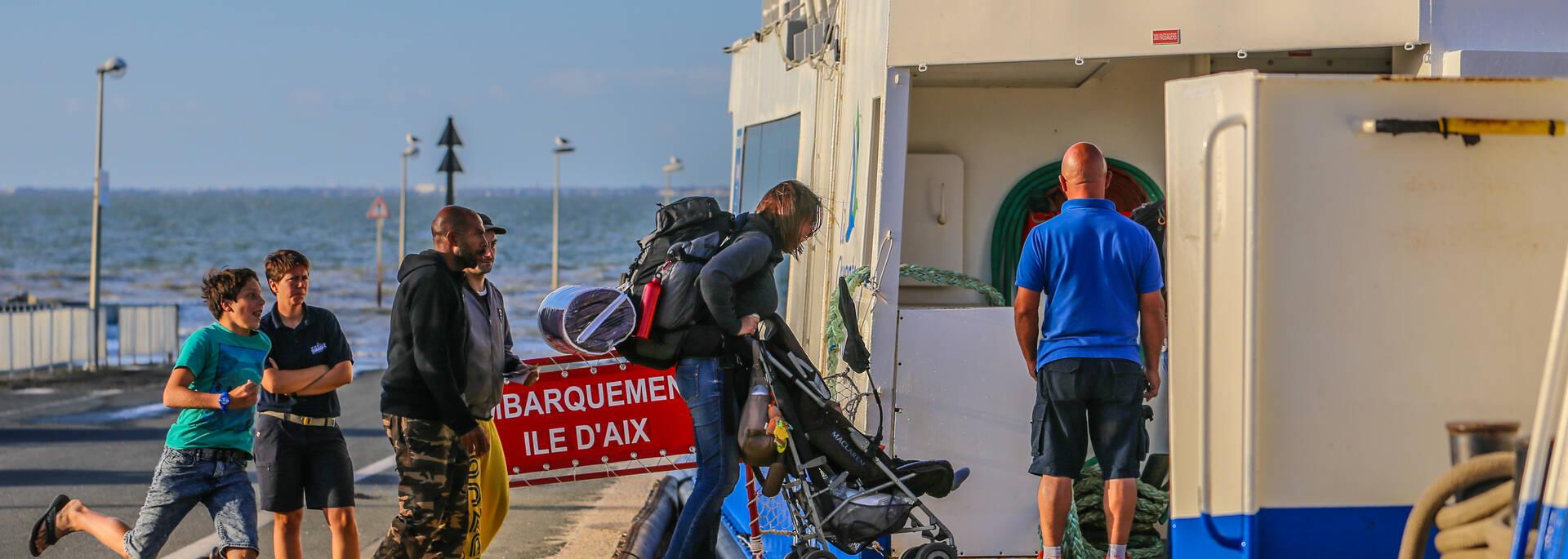 Départ du bac de la Pointe de la Fumée à Fouras direction l'Ile d'Aix - © Image & Émotion
