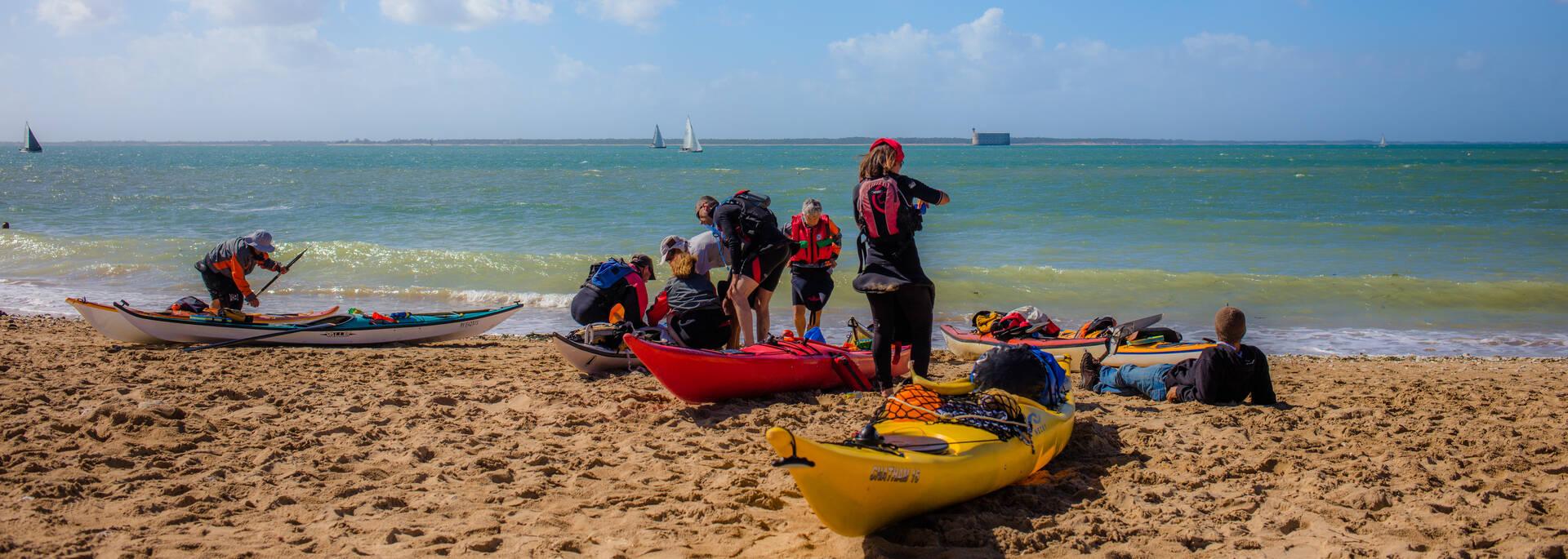 Activités kayak au départ de l'Ile d'Aix, direction Fort Boyard - © Images & Émotion