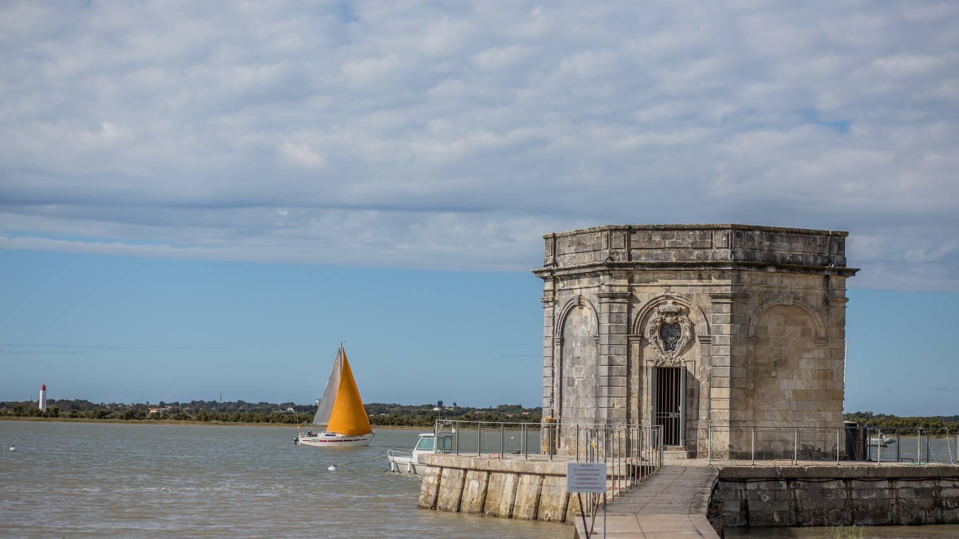 Fontaine de Lupin à Saint Nazaire sur Charente © Images & Emotion