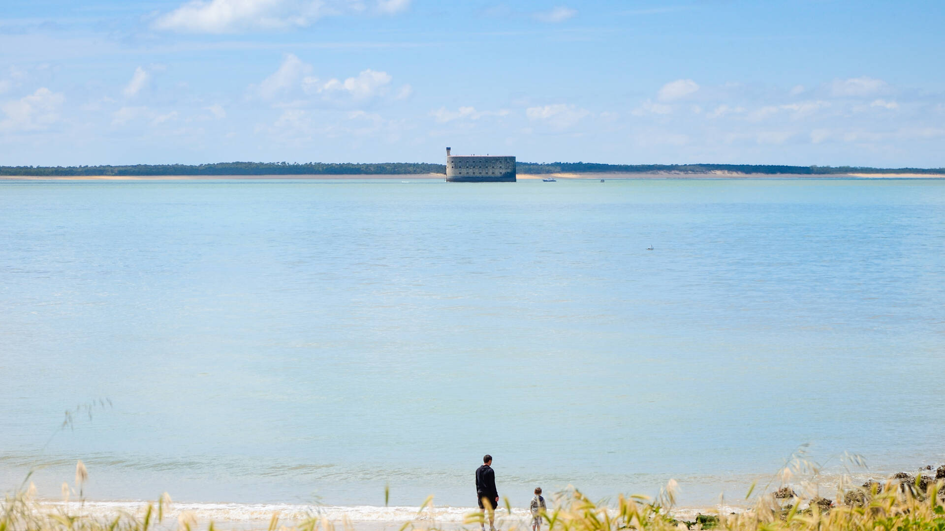 Aix Island, a paradise with a view on the Fort boyard - © Dfred Photographie