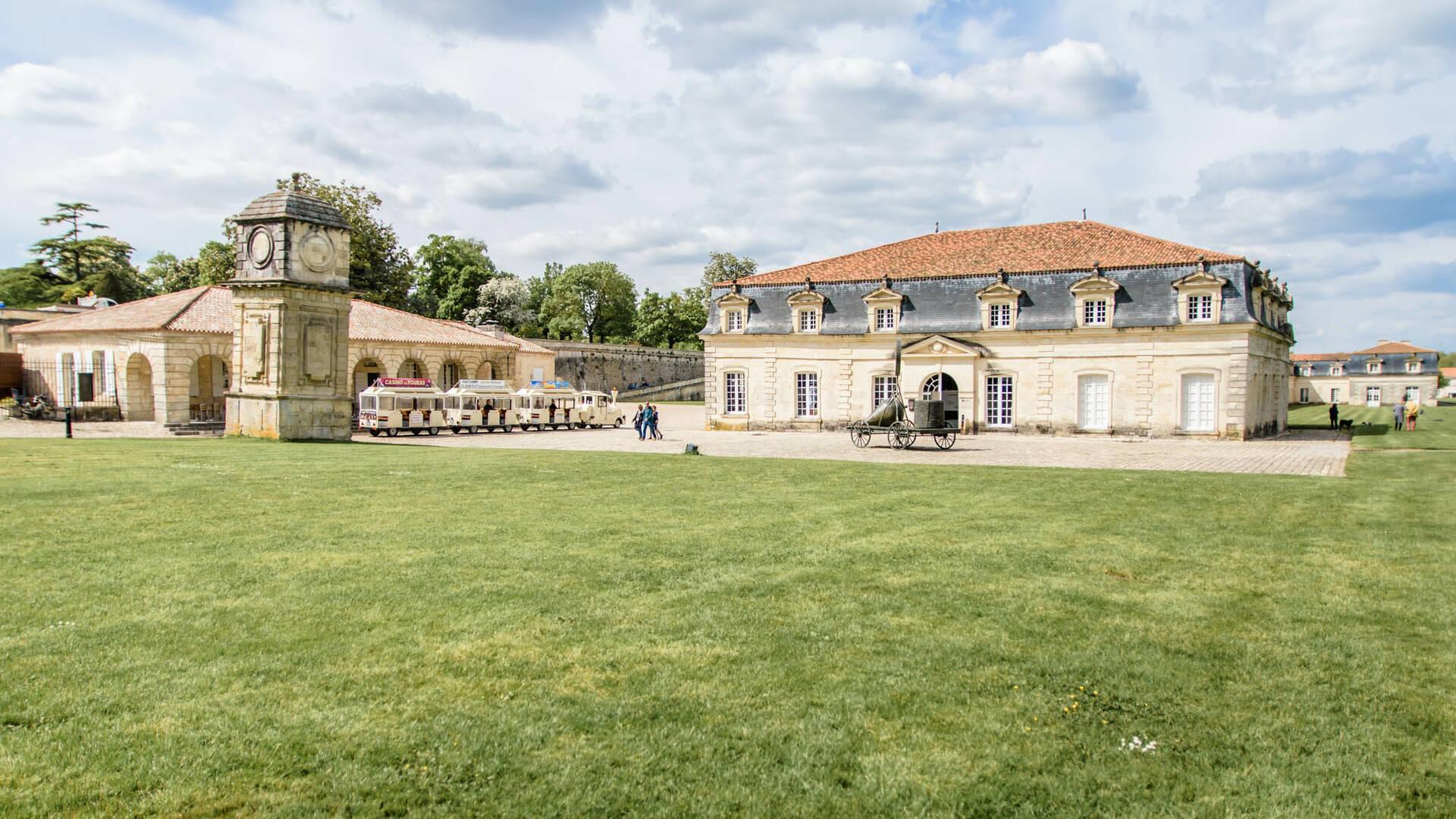 Que faire à Rochefort : visiter la Corderie Royale ©L.Pétillon