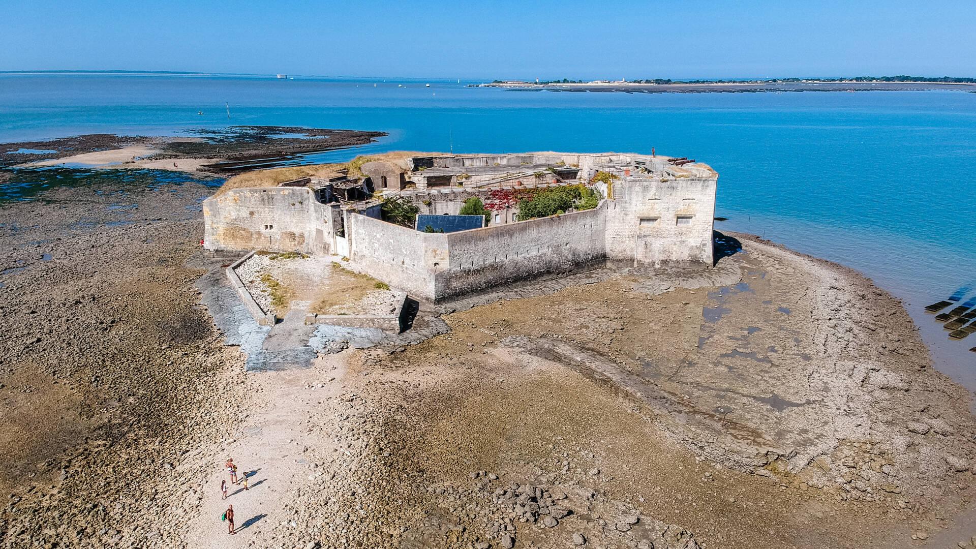 Fort Enet au départ de Fouras ©L.Pétillon