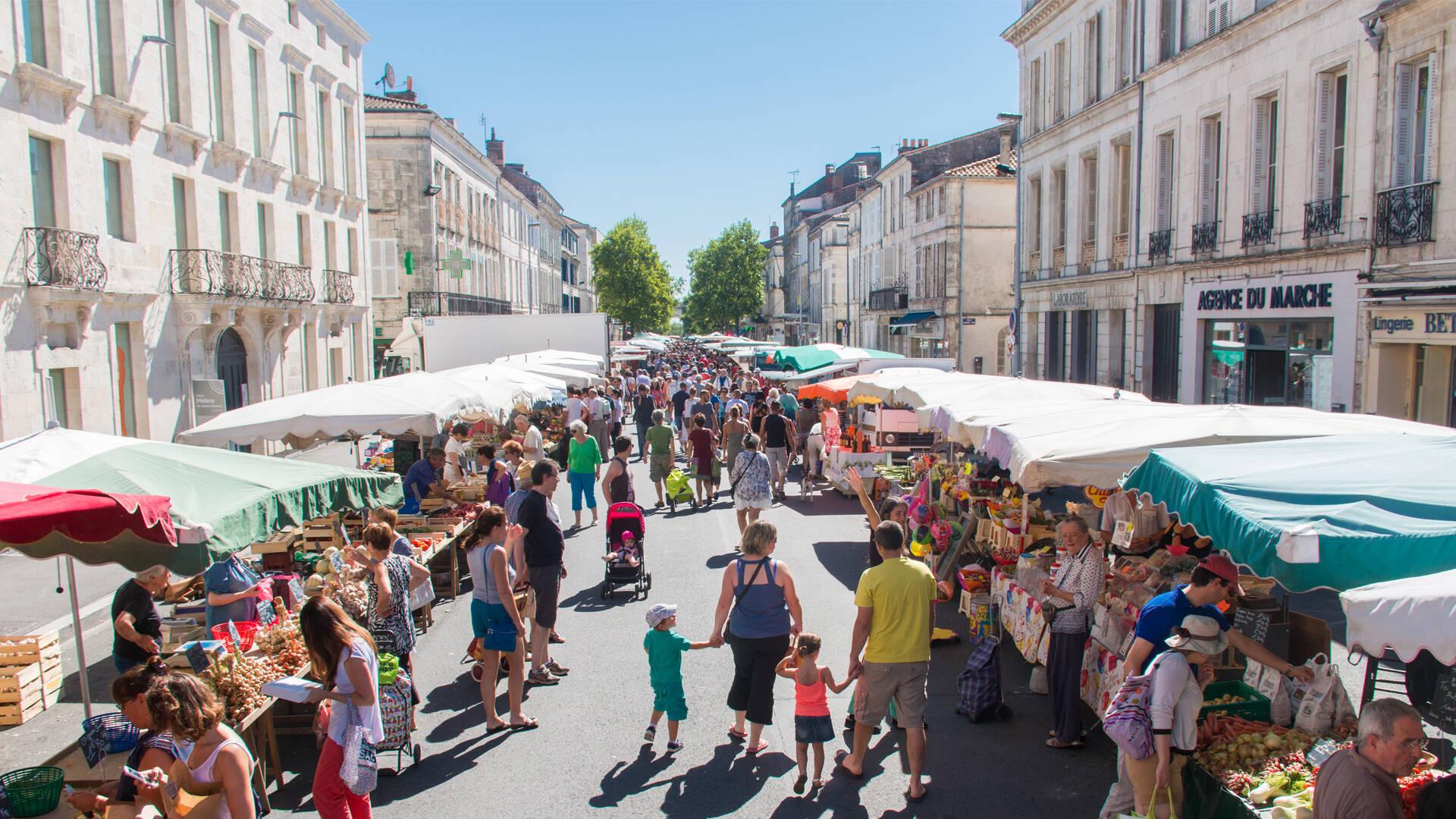 Rochefort, plus beau marché de France ©D.Compain