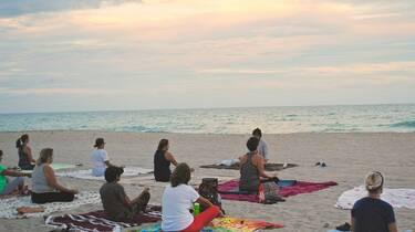 Yoga sur la plage de Fouras-les-Bains