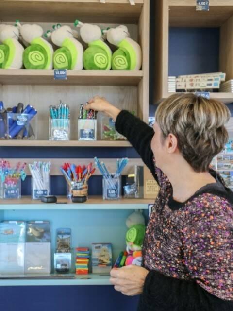Ursula, conseillère en séjour et responsable boutique ©Office de tourisme