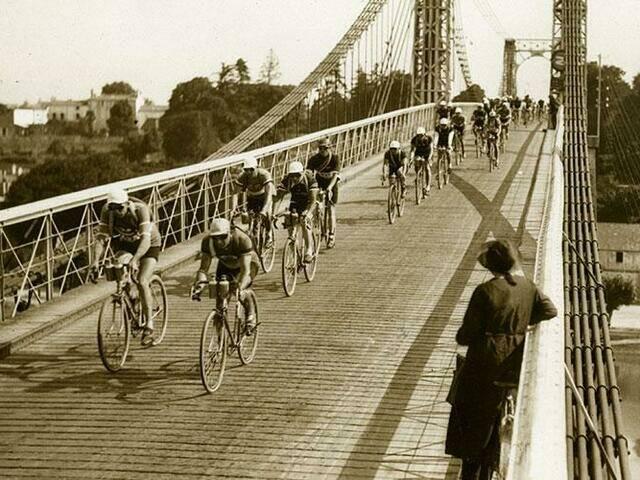Le tour de France 1932 sur le Pont de Tonnay-Charente