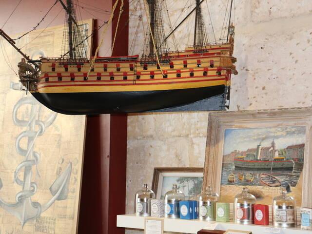 Des peintures inspirées de l'histoire et la marine