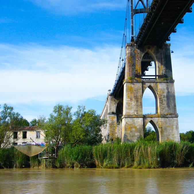 Le Pont Suspendu de Tonnay-Charente - © Office de tourisme Rochefort Océan