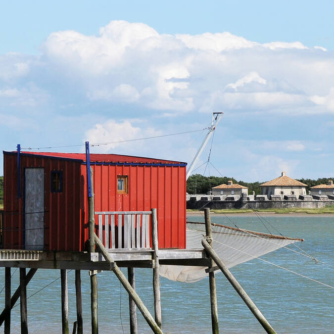 Fishing cabin and Fort Lupin - © Marie-Françoise Boufflet