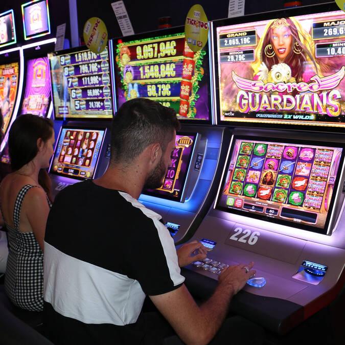 Le casino de Fouras-les-Bains, machine à sous, Rochefort Océan, Charente-Maritime