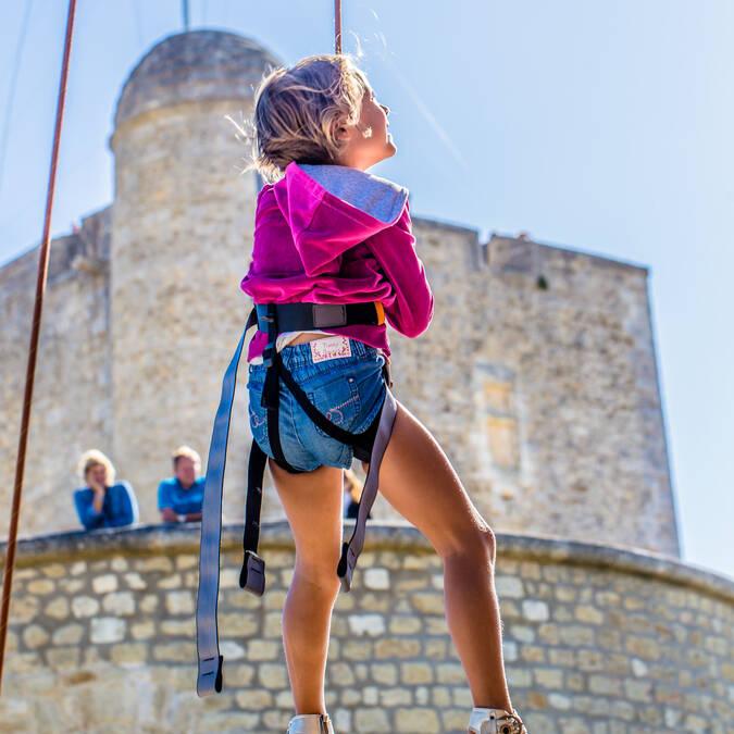 Activities around Fort Vauban during the Fort Boyard Challenge - © Images & Emotion