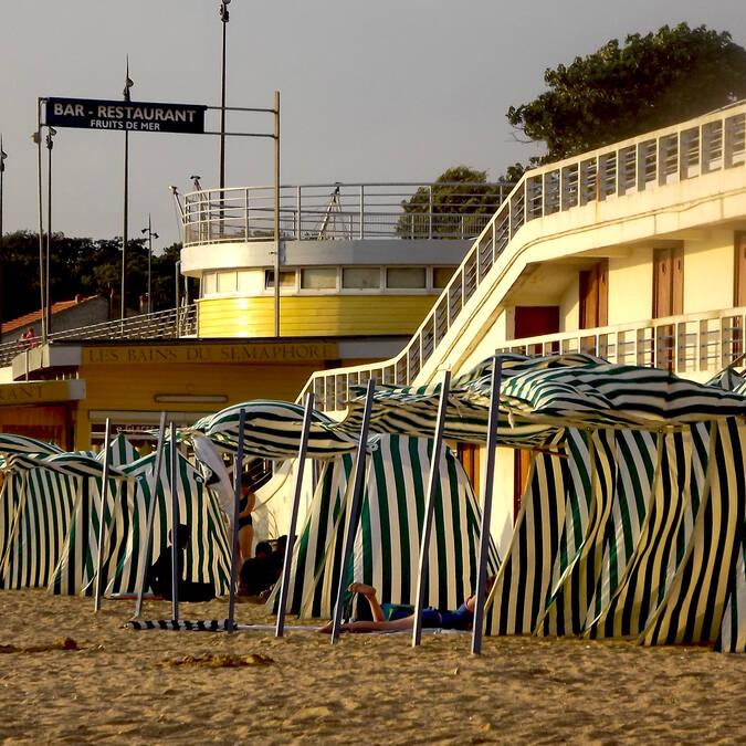 Cabines de plage à la Grande plage de Fouras-les-bains - © Office de tourisme Rochefort Océan