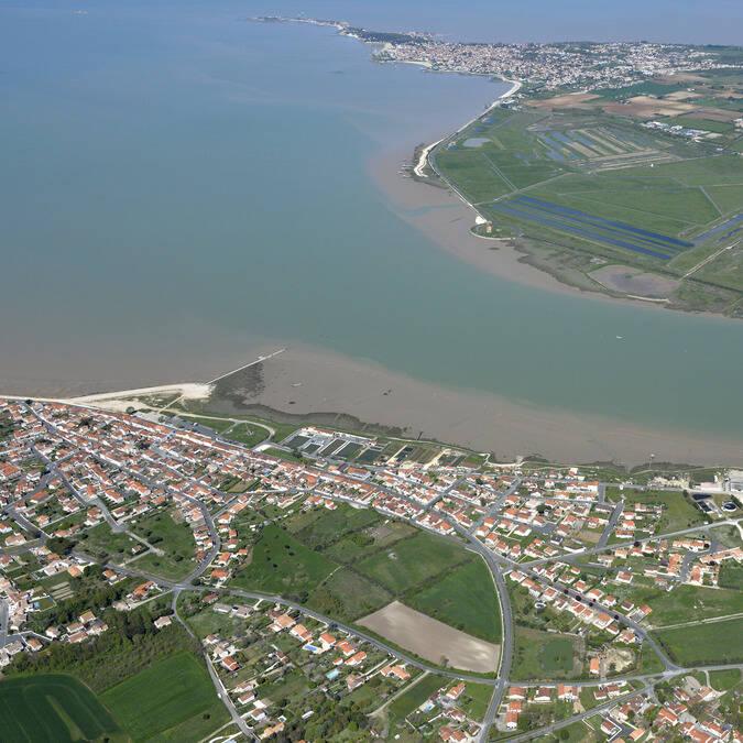 Vue aérienne de Fouras les Bains à l'embouchure de la Charente - © Patrice Blot - DREAL