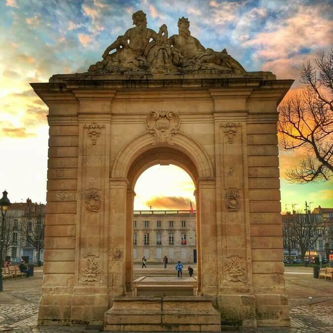 Fontaine Place Colbert à Rochefort - © Valérie Jolivet-Cosson