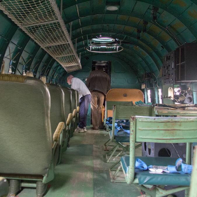 Maintenance work at the Museum of Naval Aviation in Rochefort - © David Compain - Ville de Rochefort